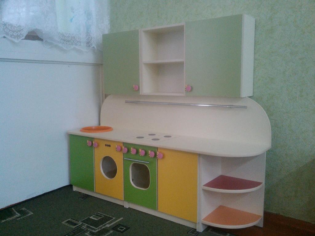Столы, парты, письменные столы для школьников