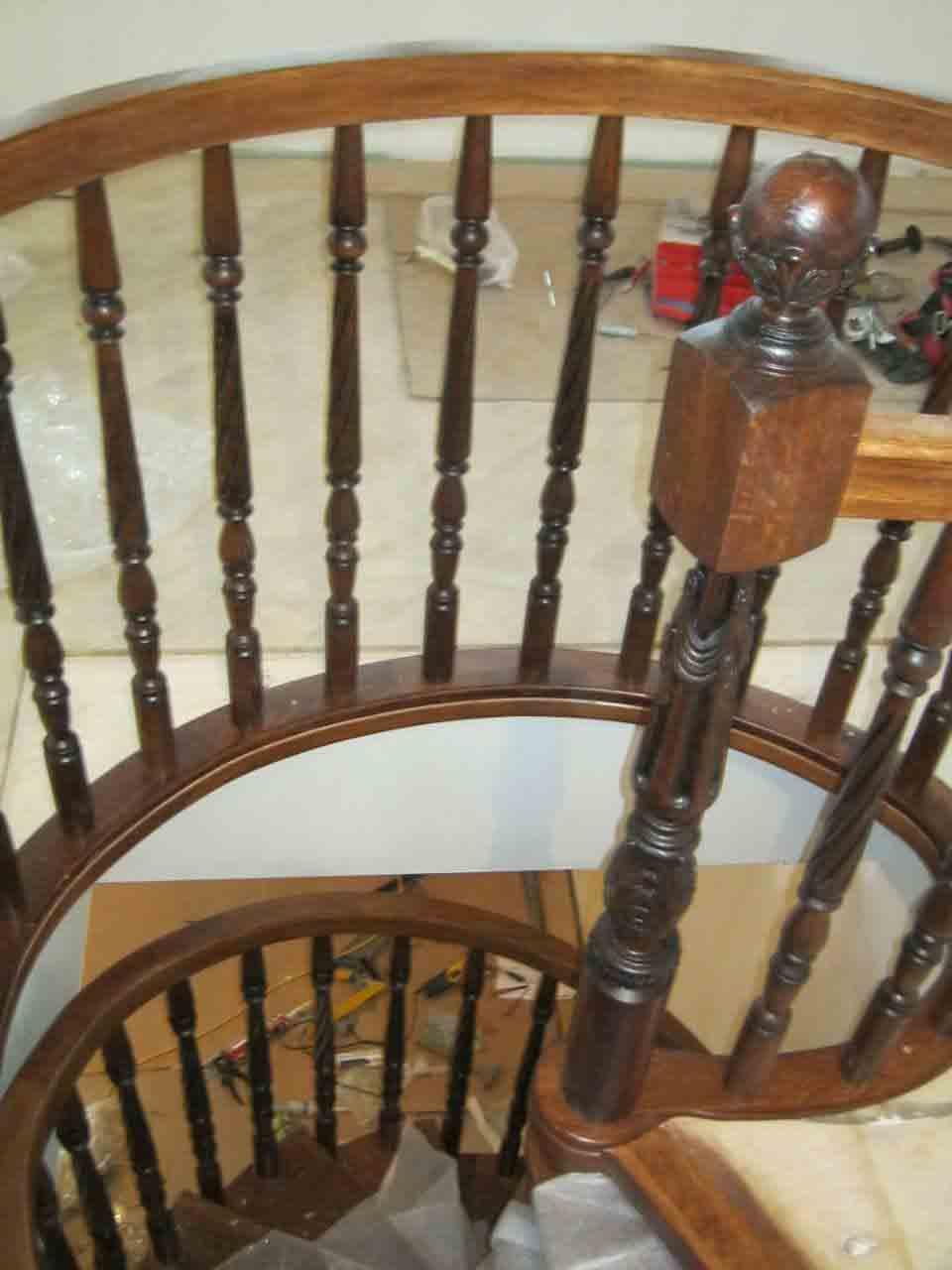 Продажа и изготовление лестниц из дерева в Сочи - для дома и мансарды