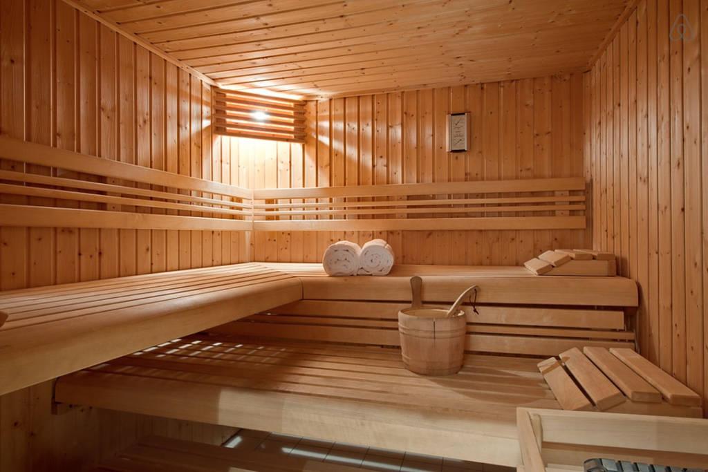 Производство эксклюзивной мебели из дерева на заказ в