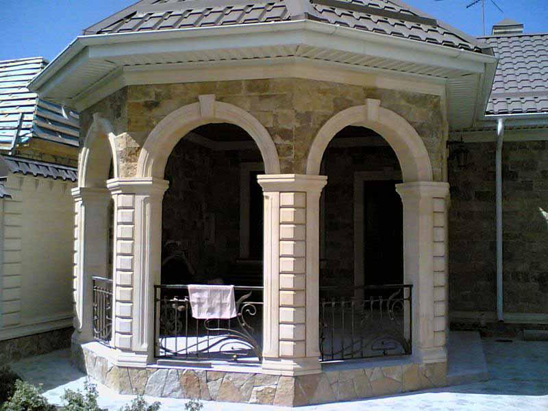 Отделка домов и фасадов дагестанским камнем в Гулькевичи Кропоткине и Краснодаре