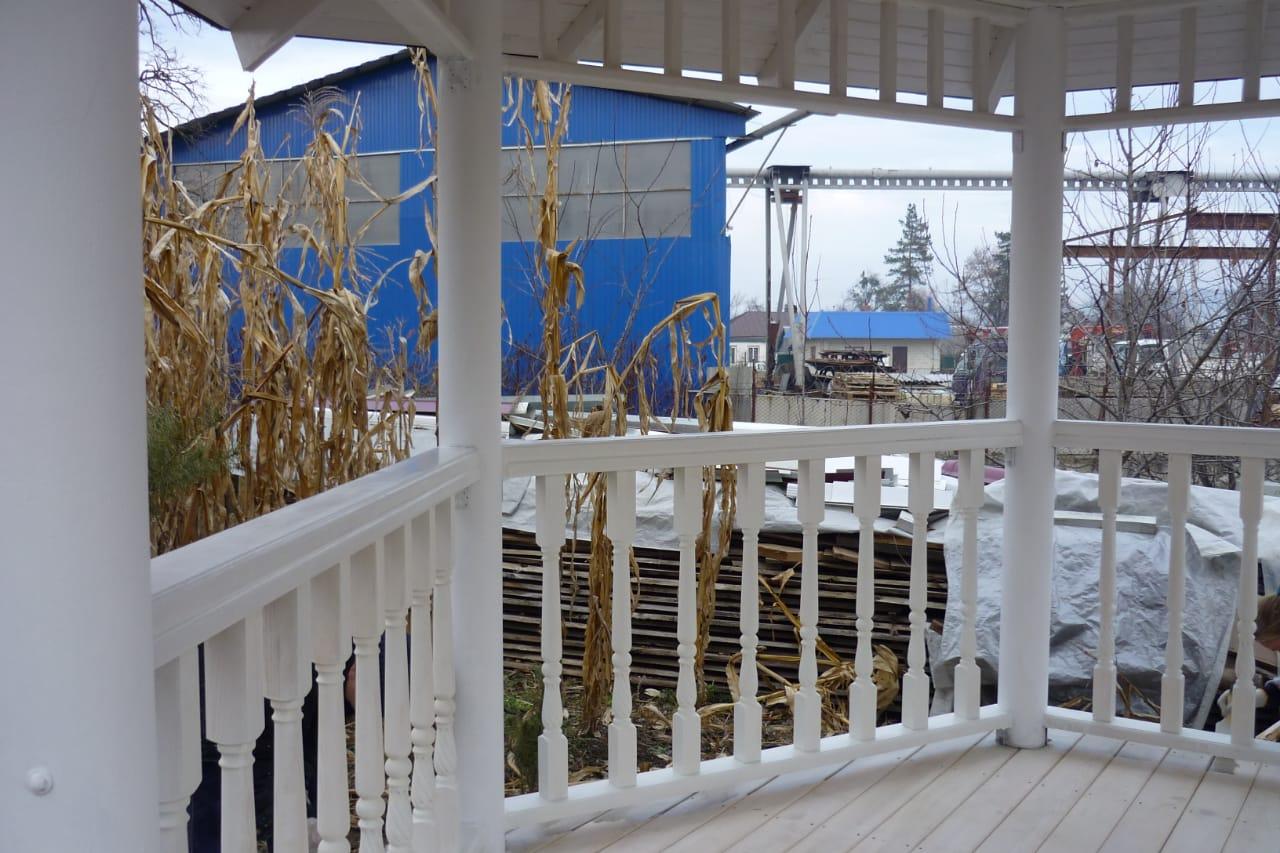 Столярный цех в Кропоткине Гулькевичи Армавире: Перголы, навесы, беседки из дерева фото