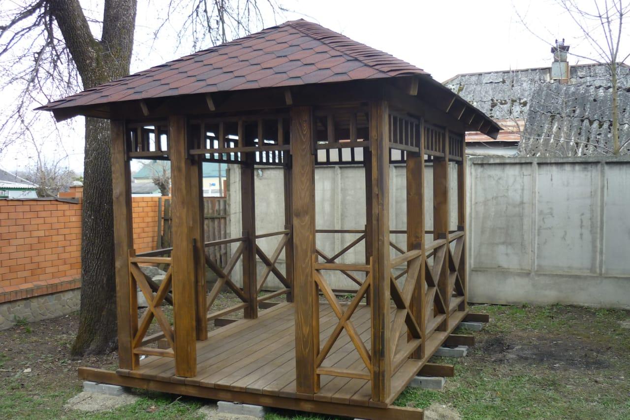 Изготовление деревянных беседок в городе Гулькевичи на заказ фото