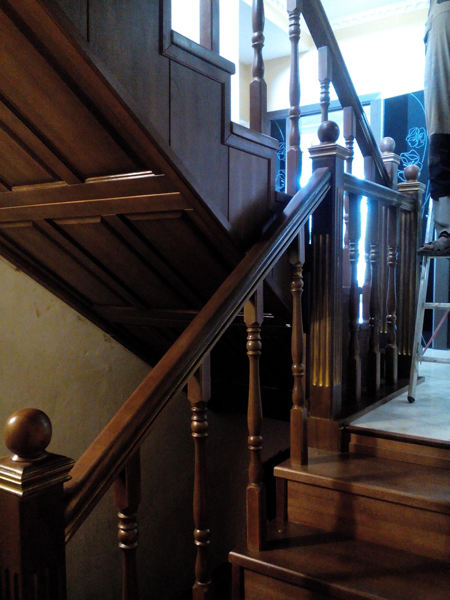 Готовые лестницы, лестничные ограждения, перила, балясины в Кропоткине, Сочи, Тихорецке